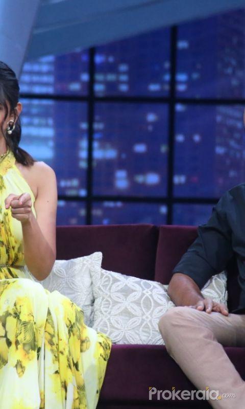 Rakul Preet Singh and Director Krish garu from the sets of SamJam
