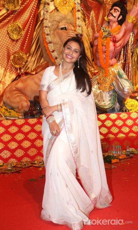 Rani Mukerji at Durga Puja in juhu with White saree