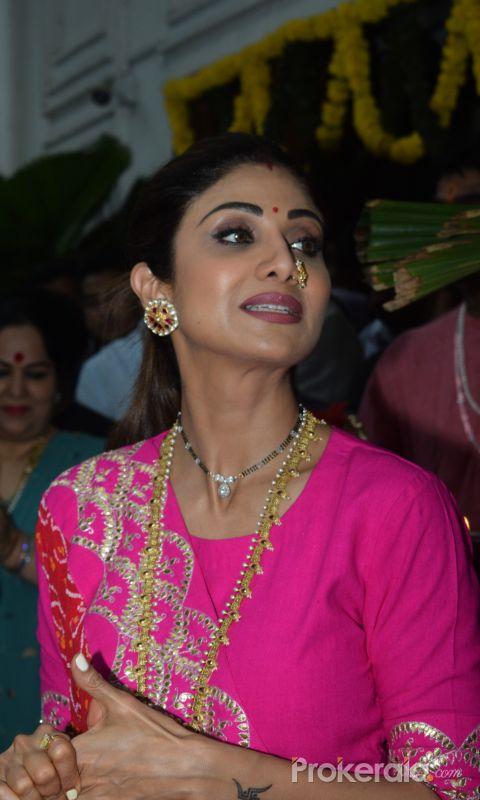 Shilpa Shetty ganpati immersion at juhu