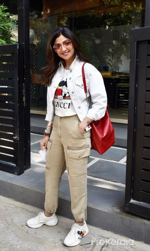 Shilpa Shetty Spotted At Bandra