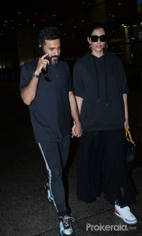 Sonam Kapoor and Anand Ahuja spotted at airport