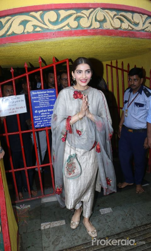 Sonam Kapoor at Mukteshwar temple in juhu