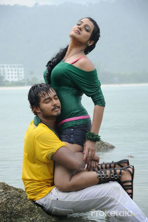 ... Hot Tashu Kaushik in Telugabbai | Sexy Remya Nabeesan in Telugabbai