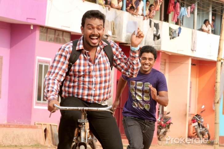 Thattathin Marayathu Movie Stills