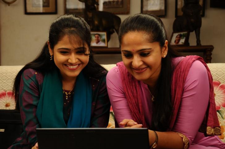 Singam 2 movie stills surya hansika motwani and anushka shetty singam 2 movie stills thecheapjerseys Choice Image