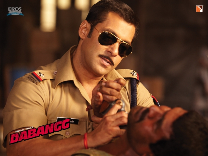 Salman Khan in Police Uniform in Dabangg