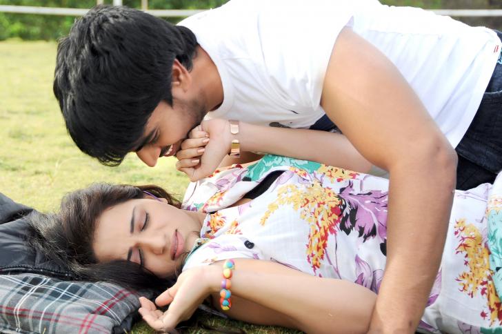 Reshma Hot Stills From Love Cycle Srinivas And Reshma Hot Scenes