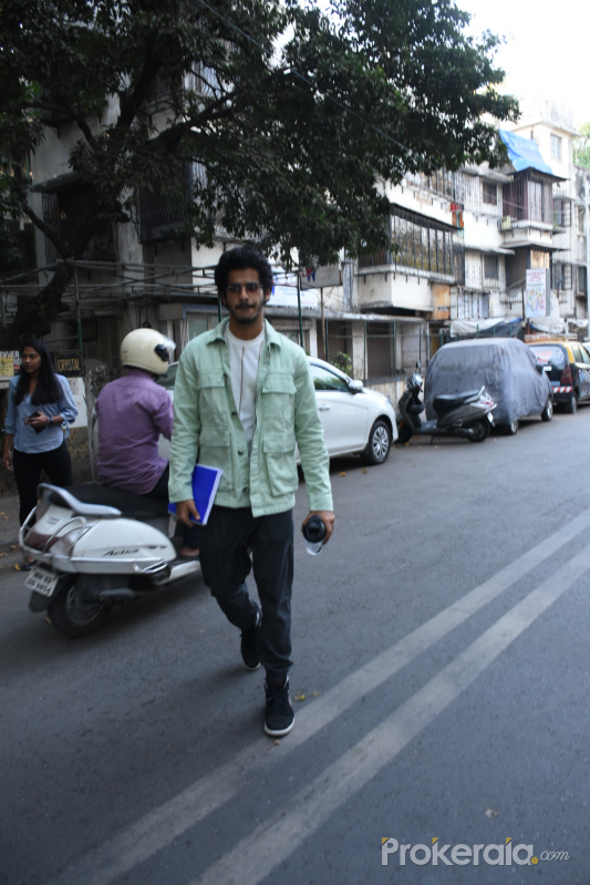 Actor Ishaan Khattar walking at bandra street