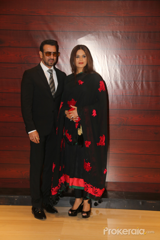 Actor Ronit Roy and Neelam Singh  at Javed Akhtar's Birthday.
