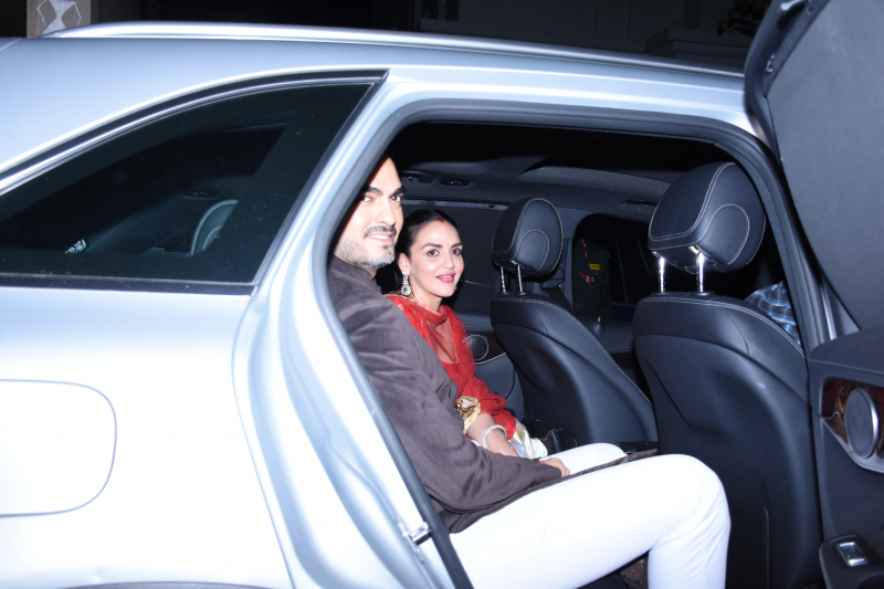 Actress Esha Deol and husband Sahil Takhtani at actor Amitabh Bachchan's Diwali party