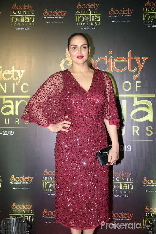 Actress Esha Deol during Society Awards at Taj Santacruz.