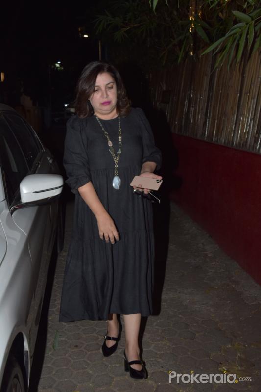 Actress Fara Khan attend Javed Akhtar birthday party at juhu.