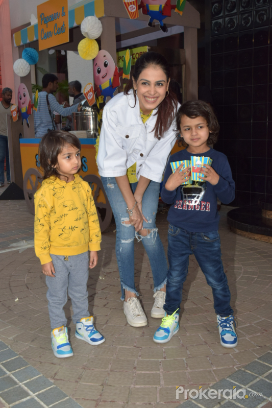 Actress Genelia D'Souza with her kids in Birthday party of Sachin Joshi's son Shivansh.
