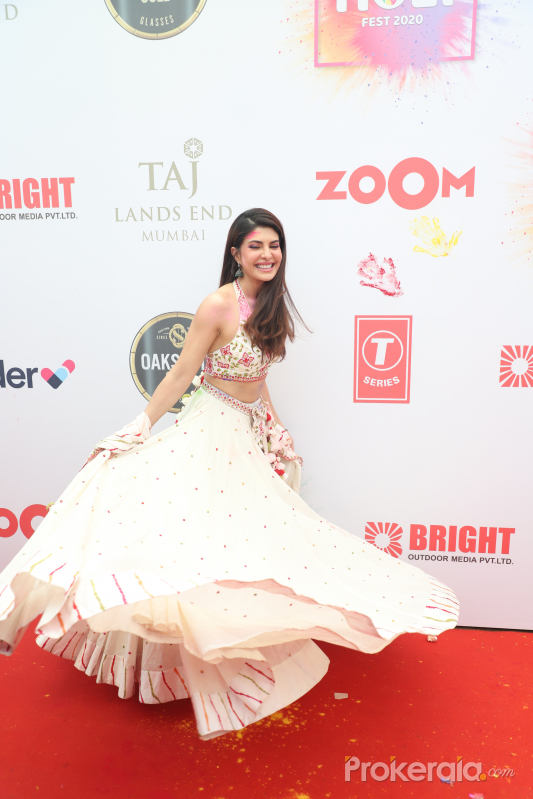 Actress Jacqueline Fernandez at the red carpet of Zoom Holi fest 2020