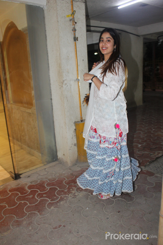 Actress Janhavi Kapoor spotted at Arjun Kapoor's house in juhu
