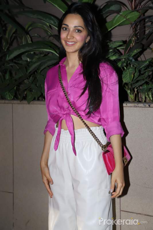 Actress Kiara Advani movie Bhoolbhulaiya 2 party at juhu