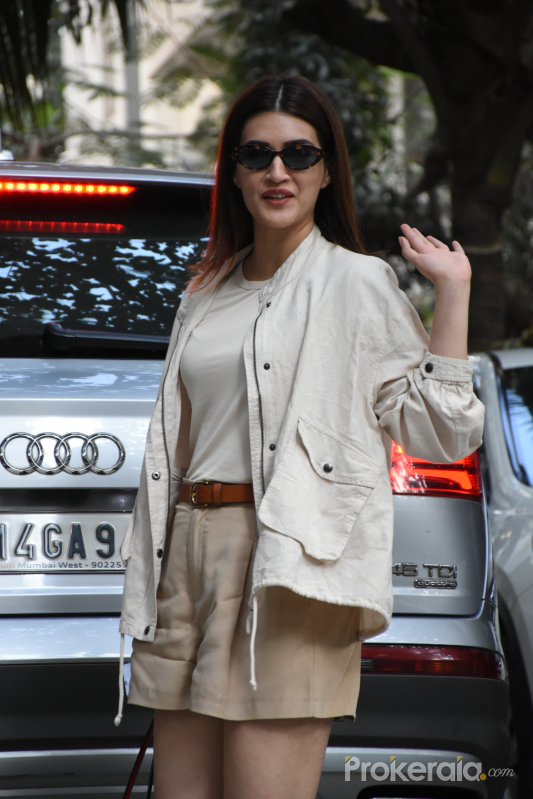 Actress Kriti Sanon spotted at maddock office in Santacruz
