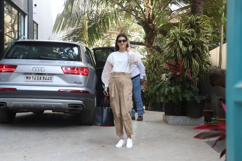 Actress Kriti sanoon seen at Santacruz