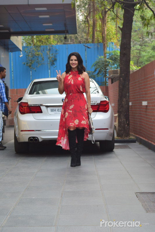 Actress Sunny Leone spotted at juhu