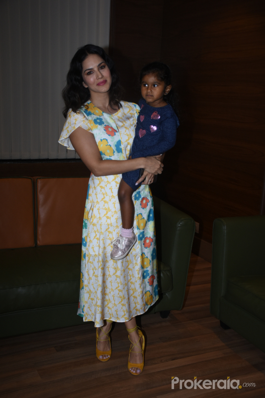 Actress Sunny Leone with her daughter at Viacom 18 Peppa Pig musical event