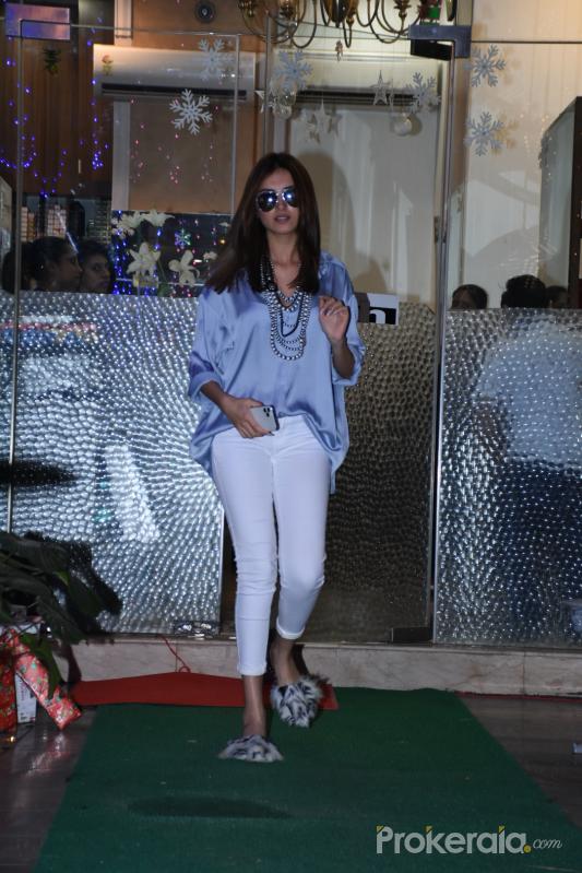 Actress Tara sutaria Seen at muah salon bandra.
