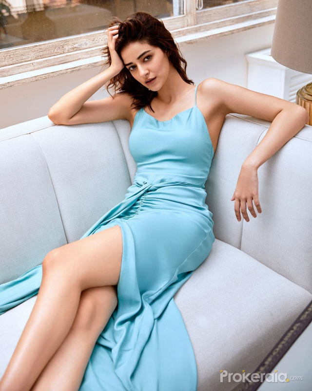 Ananya Panday hot stunning in a Blue dress