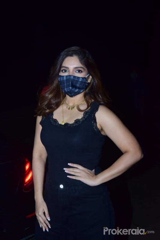 Bhumi Pednekar promoting durgamati at juhu beach