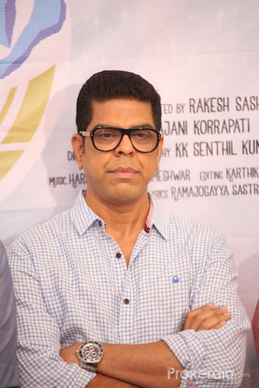 chiranjeevi congrats to vijetha movie team