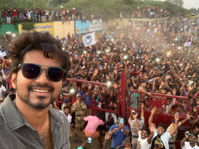 Commander Vijay selfie retweeted the most among Indian actors
