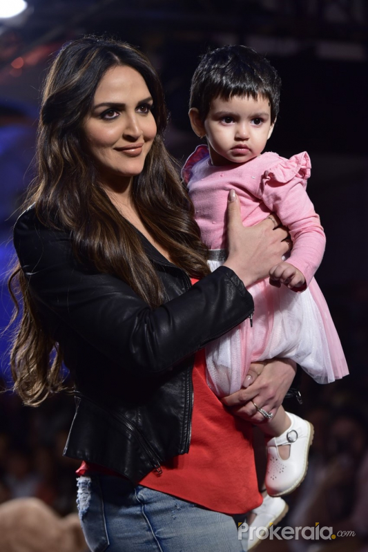 Esha Deol and her daughter walked the ramp at Lakme Fashion Week W/F 2019