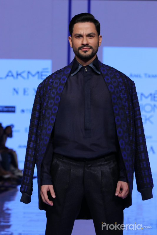 Actor Kunal KhemuOn Ramp In L F W 2020