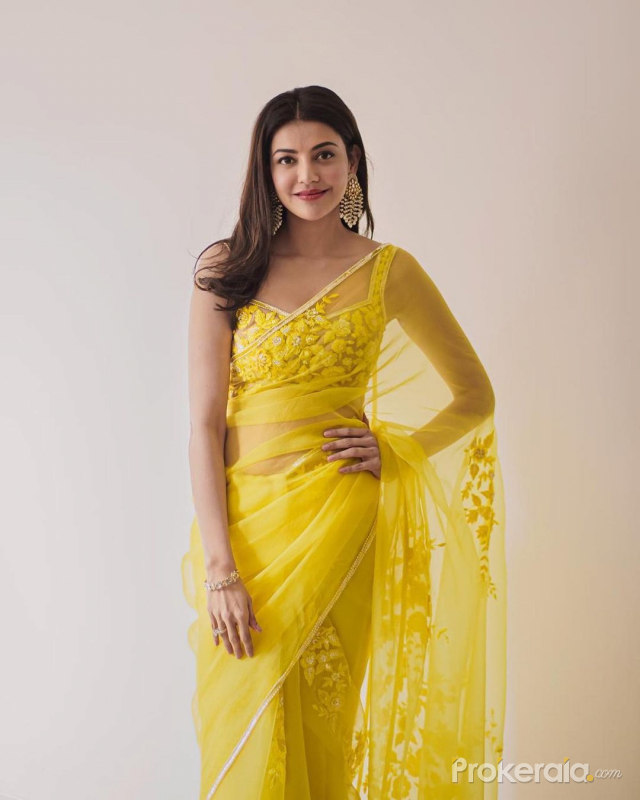 Kajal Aggarwal new Cute picture from Yellow Saree