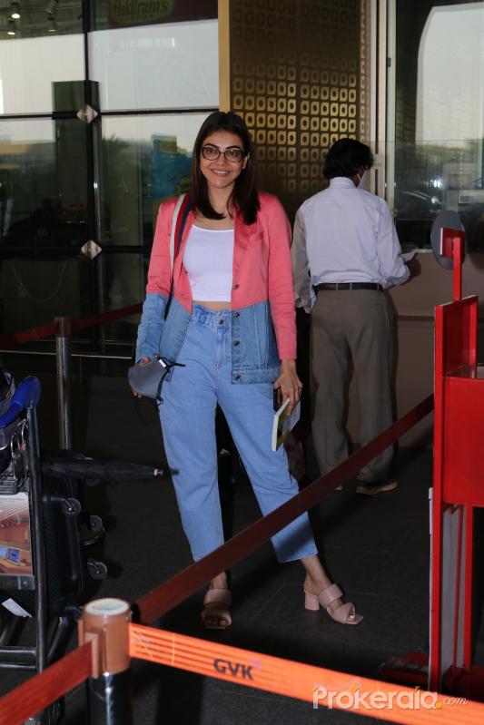 Kajal Aggarwal Spotted At Airport