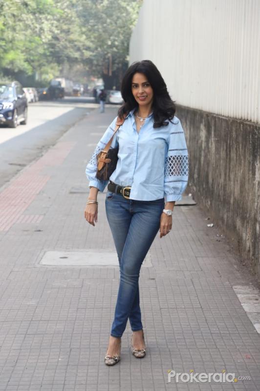 Mallika Sherawat Spotted At Andheri