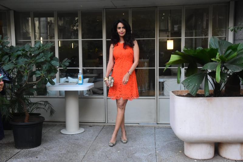 Mallika Sherawat Spotted At Bandra