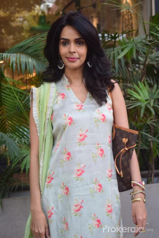 Mallika Sherawat Spotted Kitchen Garden Juhu