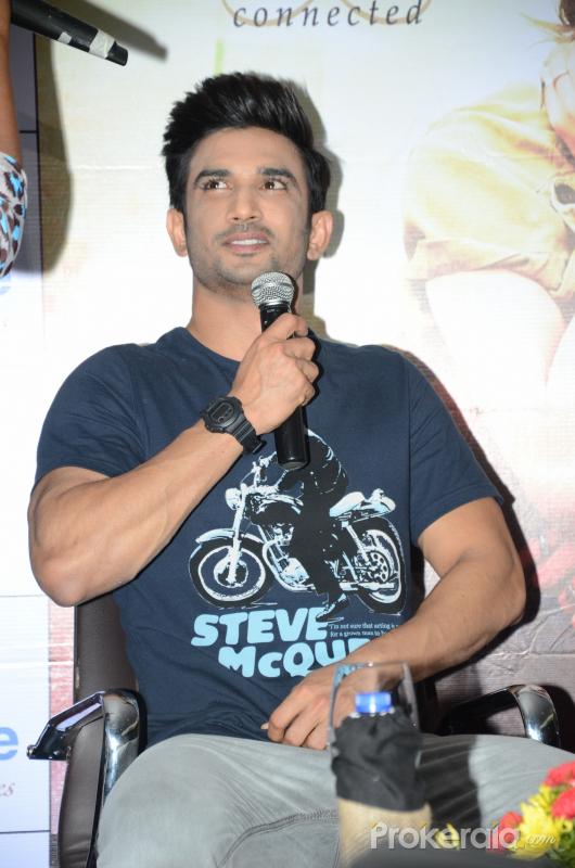 Sushant Singh Rajput attend Bollywood movie Raabta promotion