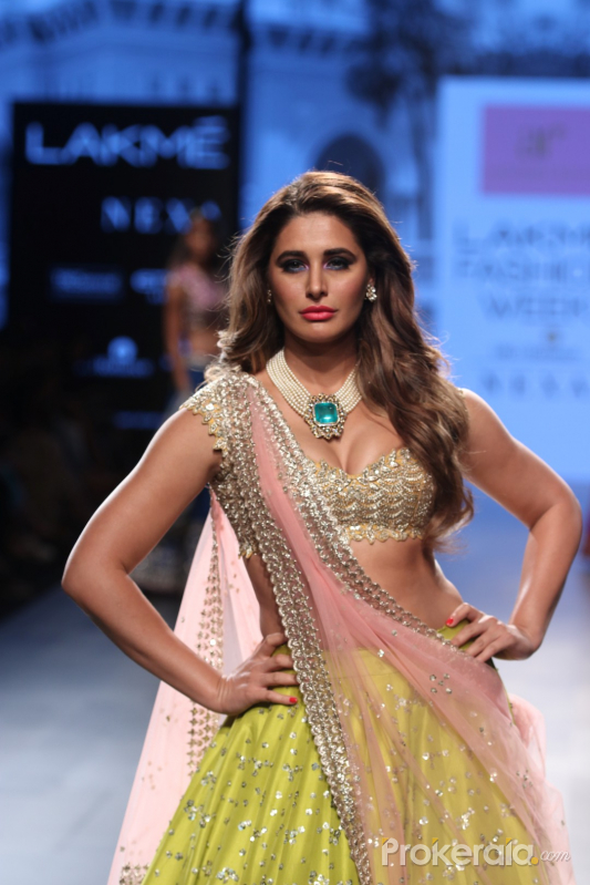 Nargis Fakhri Walk Ramp For Anushree Reddy At LFW Winter Festive 2017