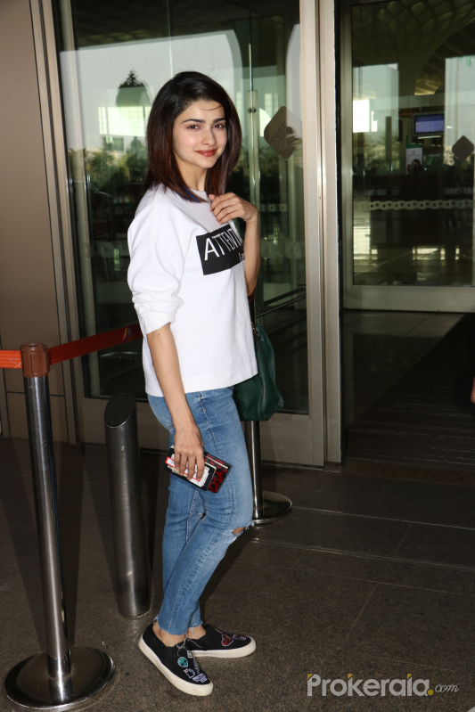 Prachi Desai Spotted At Airport