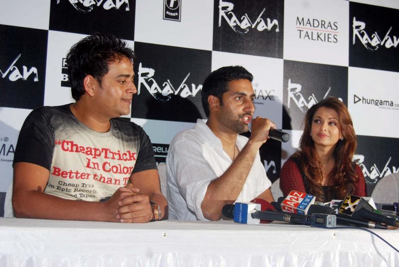 Ravi Kissen, Abhishek Bachchan and Aishwarya Rai Photo
