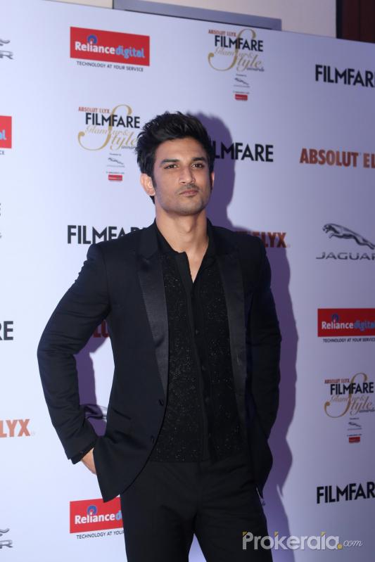 Sushant Singh Rajput @ Red Carpet Of Film Fare Glamour Style award