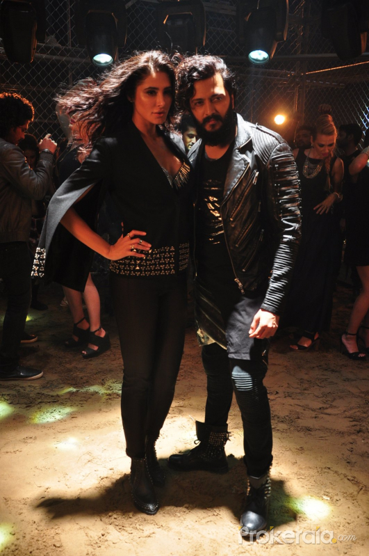 Ritesh Deshmukh and Nargis Fakhri @ song Shoot