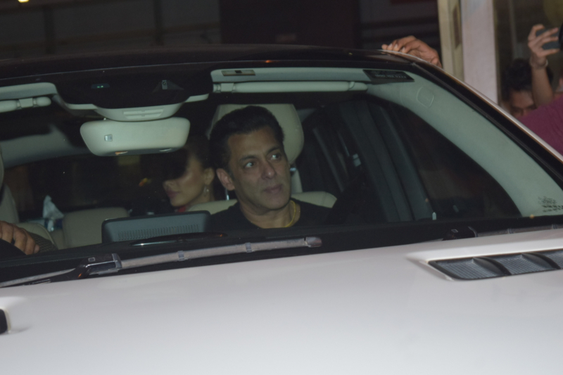 Salman Khan  visit Arpita at Hinduja hospital in khar.