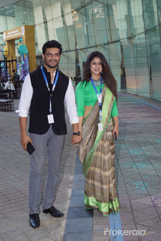 Sharad Kelkar with Wife At IFFI 2017