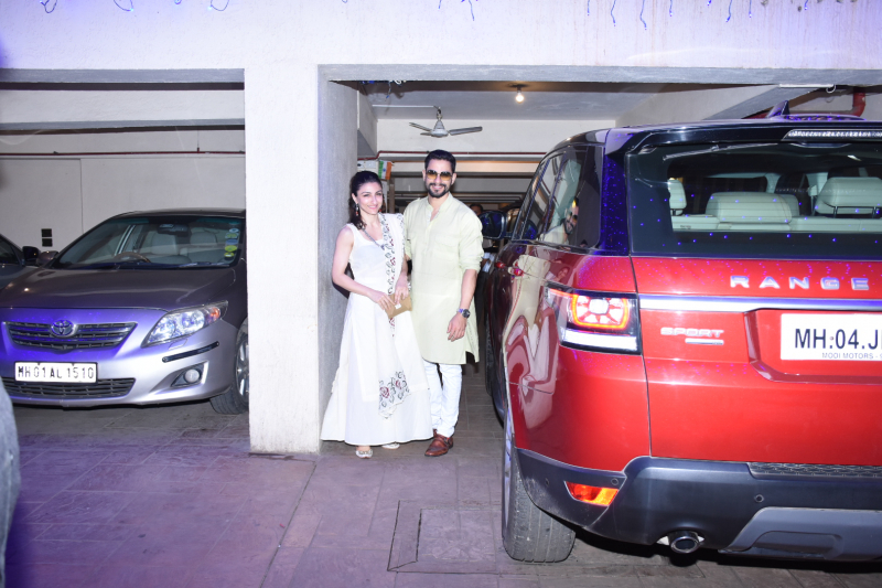 Soha Ali Khan, Kunal Khemu spotted at Saif Ali Khan's house in bandra for Diwali celebration