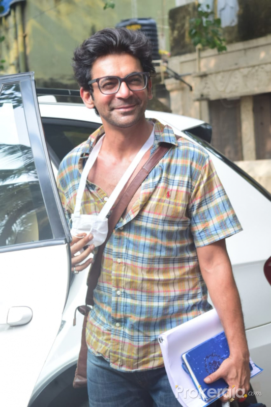 Sunil Grover spotted at juhu