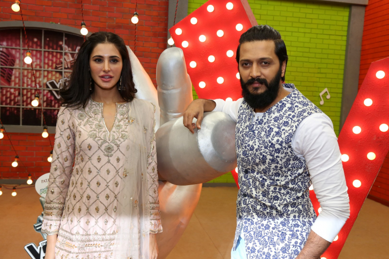 Nargis Fakhri and Riteish Deshmukh @ The Cast Of Banjo On The Set Of The Voice For Promotion