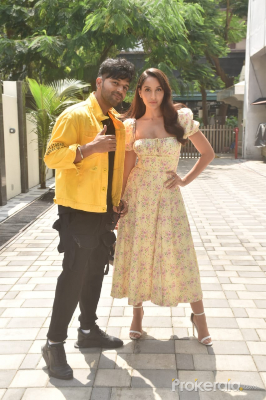 Nora Fatehi and Guru Randhawa @ Tseries office in andheri