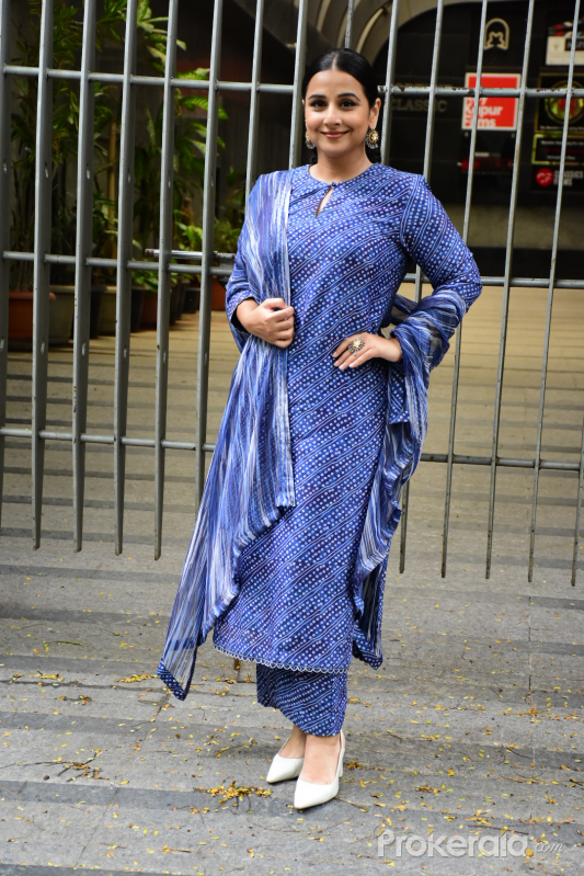 Vidya Balan spotted at Sidharth Roy Kapoor's office in bandra