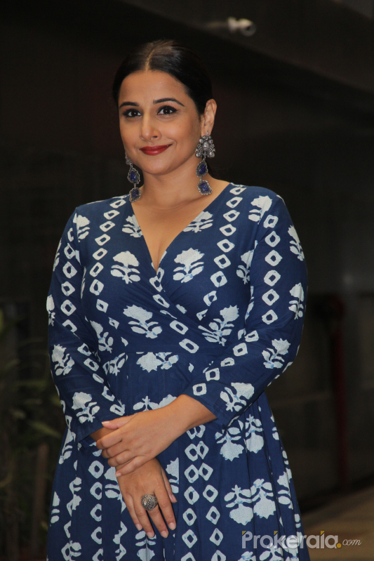 Vidya Balan spotted at Sidharth Roy Kapoor's office in khar